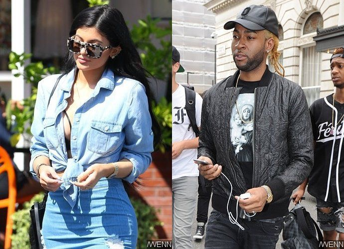 img 3980 - Kylie Jenner and PARTYNEXTDOOR Spotted 'Making Out' at Drake's Party