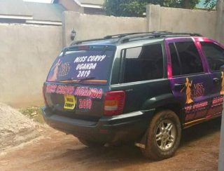 Belinda-Miss Curvy Uganda Stranded After Her Prize Car Breaks Down. 1