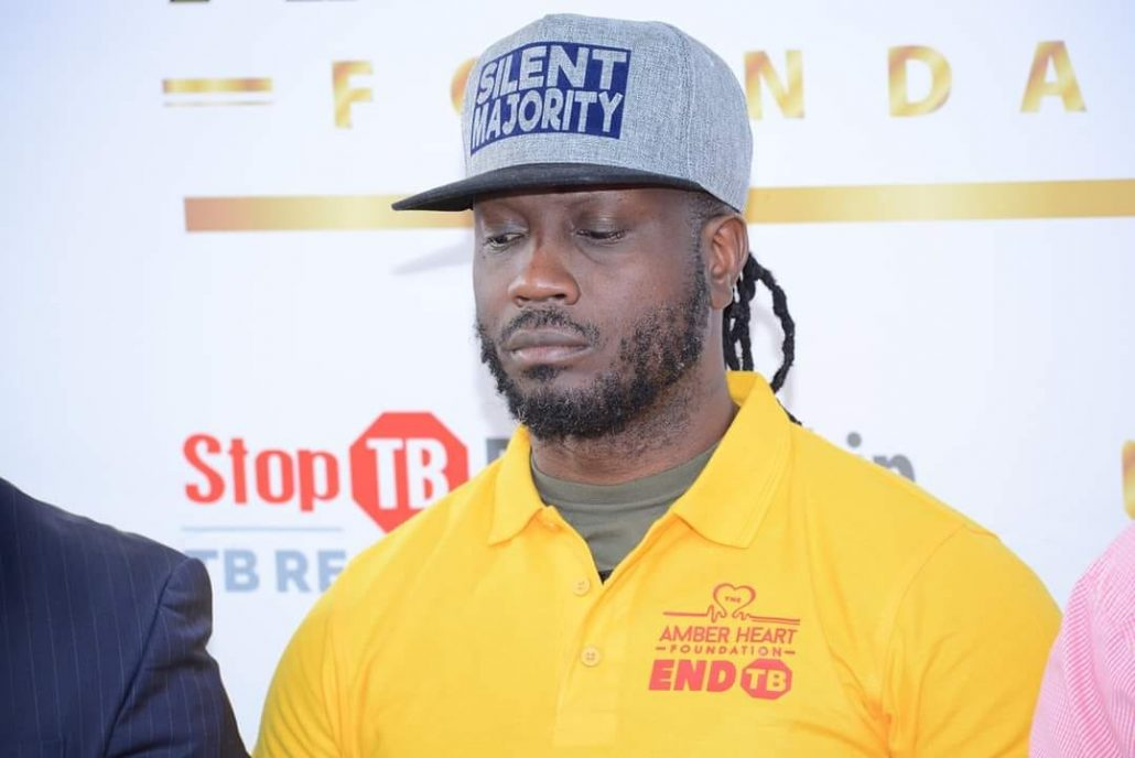 Bebe Cool: Use Bras And Shoulder Pads To Prevent Coronavirus If You Can't Afford Face Masks. 2